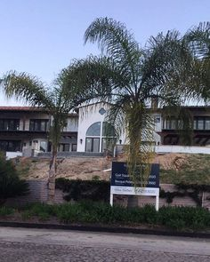 Mansion under construction 💰💎Price: 8m ______________________________________________________________________________________________ #AstonMartin #Sandiego #ranchosantafe #lajolla #luxurylife #mansion #rich #successful #success #rollsroyce #bentley #mercedes #motivation #luxury #superrich  #luxurycars #Money #lamborghini  #realestate #ferrari  #quotes #fashion #wealth #luxe #entrepreneurs #entrepreneur  #Diamonds #travel #maserati PC: @btorressz #sandiego #sandiegoconnection #sdlocals…