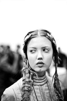 Lindsey Wixson backstage at Alexander McQueen Spring/Summer 2011 photographed by James Bort