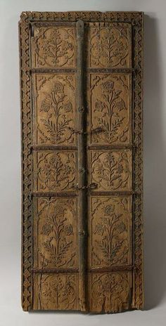 An elaborately carved Mughal style door just MIGHT be inspiration for a new stencil design from Royal Design Studio.... Do you a-door too?!