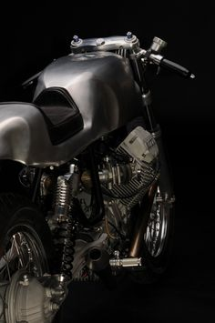 Moto Guzzi V7 Classic Rear - very nice and very sexy