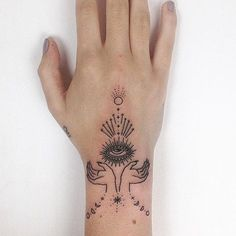 Tattoo designs are a special method of expressing your love for one another. There are a lot of tattoos out there. Tribal tattoos for women are extremely symbolic and their designs are extremely artistic. Hand Tattoos, 1000 Tattoos, Unique Tattoos, Beautiful Tattoos, Body Art Tattoos, Small Tattoos, Cool Tattoos, Tatoos, Hand Eye Tattoo