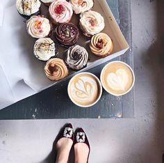 Happy New Year Everyone!  Via @brooklynblonde1  #worldsuniquedesigns #loveit #newyear #happynewyear #cake #coffee #cupcake #cupcakestagram #bestwishes #love #laugh #live #laughlivelove #likepost #likelikelike