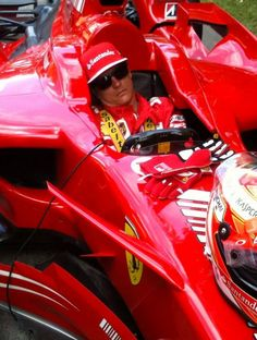 Just Kimi... (Godwood Speedfest, 29-06-2014) (KiRaidesu: bwahahaha! He surely can sleep anywhere!)