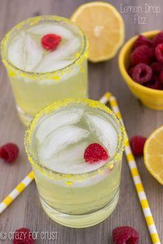 The BEST new summer drink: a Lemon Drop Fizz!