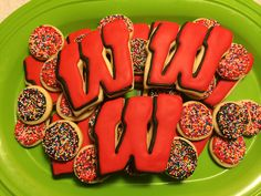 On Wisconsin! Royal Icing Sugar Cookies by @cookiesbykatewi #madison #wisconsin…