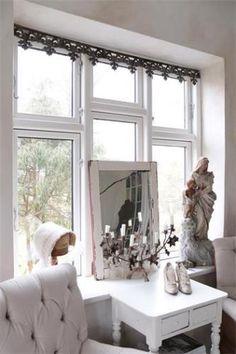 Jeanne-d-Arc-Fenster-Fries-Fensterfries-vintage-shabby-chic-antique-Fenster