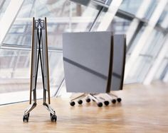 Mesa plegable Confair / Mesa de conferencia / Mesa de reuniones / Diseño: Andreas Störiko / Dinámica. Ahorro de espacio. Magnífico diseño / Wilkhahn / #confair / #oficina / #mobiliario