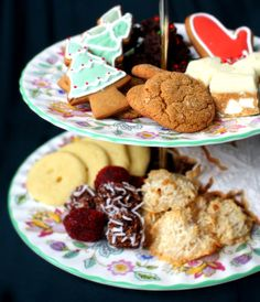 How to Host a Memorable Holiday Cookie Swap (I usually just add champagne. Cookie Exchange Party, Christmas Cookie Exchange, Holiday Baking, Christmas Baking, Cookie Swap, How To Make Cookies, Holiday Cookies, Homemade Christmas, Freezer