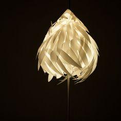 Lámpara de plumas     ¡Puro diseño a tu alcance!