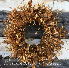 PRIMITIVE MUSTARD RAG & BERRY WREATH