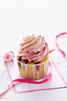 Valentines Day raspberry cupcakes recipe