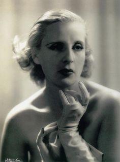 The fabulous Tamara de Lempicka, circa 1935