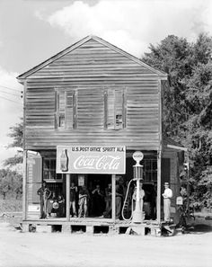 Google Image Result for http://pzrservices.typepad.com/vintageadvertising/images/2007/04/30/1930s_cocacola_sign.jpg