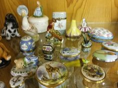 Pill boxes and China figures to include Halcyon Days, Herend and Limoges Sold £130 BourneEndAuctionRooms