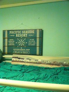 Wall art beach cottage style guest room