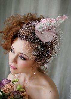 Ascot Romantisch Feder Fascinator In Karamell Mischung Aus Federn Hochzeit Damen Tag