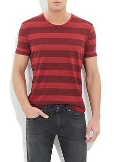 Kırmızı Çizgili Tişört