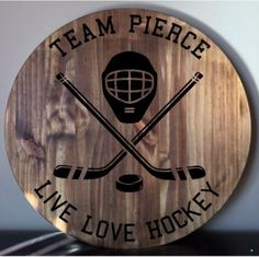 23 ideas diy wood burning gifts mom for 2019 Hockey Crafts, Hockey Decor, Hockey Mom, Hockey Sayings, Hockey Stuff, Router Woodworking, Woodworking Patterns, Woodworking Workshop, Woodworking Videos