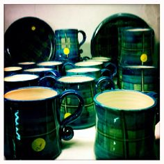 Crail Pottery Crail Scotland - love the tartan pattern on these mugs and bowls. - Crail Pottery Crail Scotland – love the tartan pattern on these mugs and bowls. English Country Decor, Country Farmhouse Decor, French Country Decorating, Holiday Cottages In Scotland, Scotland Holidays, Scottish Country Cottages, Living Room Decor Country, Romantic Breaks, Holiday Lettings
