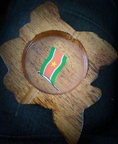 Wooden Ashtray with Suriname Flag, Souvenir, Home Decor, Bar Decor, Table Decor, Travel Memories, Holland, Netherlands  size: 17,5x13,5cm   Look