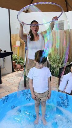 Learning and Exploring Through Play: Giant Bubbles Recipe. Outdoor fun activities for kids. Summer Activities, Toddler Activities, Outdoor Activities, Bubble Activities, Physical Activities, Bubble Fun, Bubble Party, Bubble Birthday, Field Day Games