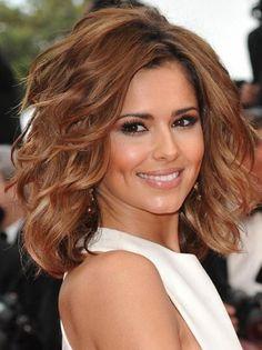 Saç modelleri ve renkleri kişilerin zevklerine ve beğenilerine göre farklı şekillerde seçilebilmektedir. Saç rengi seçerken dikkat edilmesi gereken bazı durumlar vardır. Bu durumlardan ilki