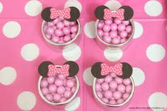 This Minnie Mouse birthday party uses FREE PRINTABLE Minnie ears in the decorations, favors, and party table. Cute ideas for a Minnie Mouse birthday party! Minnie Birthday, 1st Birthday Girls, Birthday Party Favors, Birthday Fun, First Birthday Parties, Birthday Party Decorations, Birthday Cakes, Party Themes, Birthday Ideas