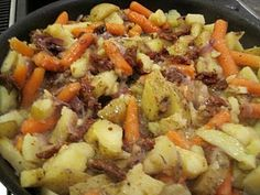 Vegetarian Stew—Romanian Recipe Here is a great recipe that looks and tastes l. - Vegetarian Stew—Romanian Recipe Here is a great recipe that looks and tastes like stew, even fool - Sicilian Recipes, Greek Recipes, Veggie Recipes, New Recipes, Crockpot Recipes, Whole Food Recipes, Dinner Recipes, Favorite Recipes, Yummy Recipes