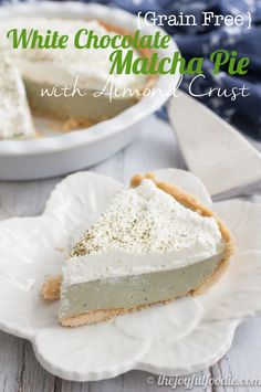 Silky smooth, creamy and delicious white chocolate matcha pie with almond crust. From Joyful Foodie Gluten Free Treats, Gluten Free Desserts, Healthy Desserts, Gluten Free Recipes, Baking Recipes, Cake Recipes, Dessert Recipes, Gf Recipes, Paleo Dessert