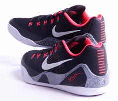 The Nike Kobe 9 EM Black/Laser Crimson releases in one week, and today brings the best look yet. Kobe Sneakers, Kobe Shoes, Air Jordan Shoes, Best Sneakers, All Nike Shoes, Adidas Shoes Outlet, Nike Shoes Cheap, Cheap Nike, Running Shoes