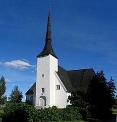 Vörå kyrka är en kyrkobyggnad som tillhör Vörå församling inom Evangelisk-lutherska kyrkan i Finland. - Kyrkobyggnaden är Finlands äldsta träkyrka, uppförd 1626 och med klockstapel från 1702. Den är en stödpelarkyrka med ett 42 meter högt torn i väster. Kyrkan byggdes om till korskyrka 1777. I korfönstret finns en glasmålning utförd 1926 av G. Forsström till kyrkans 300-årsjubileum.