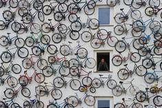 Vamos a por un Lunes diferente ! Enamorados por las bicicletas, ¿ cierto ? www.componentesbicicletabaratos.es