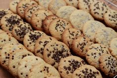 Chocolate chip cookies with sprinkles! Chocolate Chip Cookies, I Foods, Sprinkles, Food Photography, Chips, Desserts, Tailgate Desserts, Potato Chip, Dessert