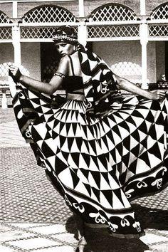 #EddieBorgo | Inspiration |  Sacha Van Dorssen, Morroco Bound, Vogue UK, 1973 - Palace of La Bahia, Marrakech  #EddieBorgo #inspiration #design #handbag #geometric