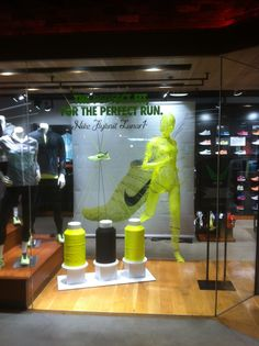 Nike Flyknit Lunar 1 The Perfect Fit For Run Retail Window Display Sports