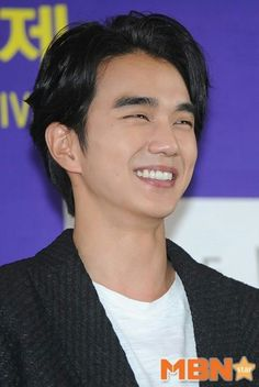 This is the South Korean actor'sYoo Seung-Ho  Yoo Seung-Ho was born on August, 1993. He is a popular South Korean actor & model. Yoo Seung-Ho first started in show business as a child actor and, like a lot of child actors, he started acting due to his mother. In 1999, Yoo Seung-Ho made his acting debut in a CF for n016. Prior to filming, the ad agency, responsible for the CF, was looking for a fresh face & not a professional model.