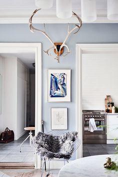 Platsbyggt och ljusblått i vackra trerummaren