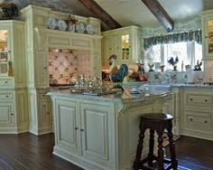 32 Charming French Country Kitchen Designs Ideas - Art and Decoration Blue Country Kitchen, Country Kitchen Cabinets, Small Cottage Kitchen, Country Kitchen Designs, French Country Kitchens, Kitchen Cabinet Styles, Cottage Kitchens, Country Bathrooms, Kitchen Island