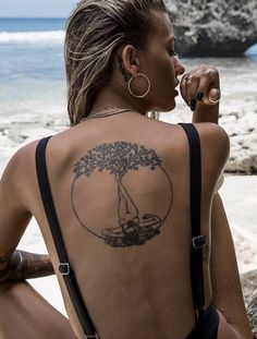 Popular Tattoos and Their Meanings Tiny Tattoos For Girls, Girl Back Tattoos, Back Tattoo Women, Small Tattoos, Tattoos For Women, Nature Tattoo Sleeve Women, Piercings, Earthy Tattoos, Erde Tattoo
