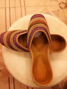 Jutti. Backless Shoes, Kurta Pajama Punjabi, Indian Shoes, Punjabi Fashion, Desi Clothes, Pretty Shoes, Indian Designer Wear, Wedding Shoes, Patiala