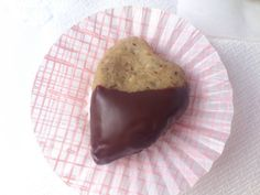 Gesztenye szív Muffin, Pudding, Breakfast, Desserts, Food, Morning Coffee, Tailgate Desserts, Deserts, Custard Pudding