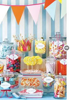 Love Is Sweet: 55 Wedding Candy Bar Ideas Décoration Candy Bar, Candy Bar Wedding, Candy Table, Candy Party, Candy Shop, Candy Buffet Tables, Sundae Bar, Sandwich Buffet, Fruit Buffet