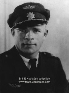 Josef Bryks Pilots, Ww2, Air Force, Captain Hat, Faces, Military, Historia, Face, Army