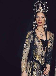 Georgia Georgia Country, Turkish Beauty, Georgie, Traditional Dresses, Costumes For Women, Pretty Woman, Beautiful People, Feminine, Elegant