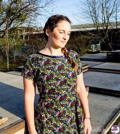 Genähtes Kleid nach Designerschnittmuster