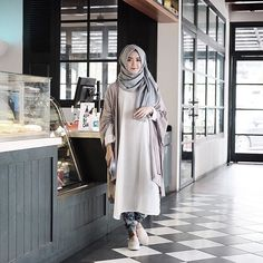 Dini Anggraeni D. @dinidjoemiko Blue, White &...Instagram photo | Websta (Webstagram)
