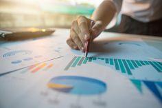 Proč je SWOT analýza přínosná i pro vaše podnikání? Business Entrepreneur, Business Tips, Marketing Digital, 6 Sigma, Economic Trends, Business And Economics, Gross Domestic Product, Flare Light, Big Data