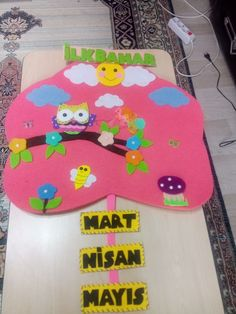 Bulletin Board, Kids And Parenting, Montessori, Paper Flowers, Kids Rugs, Free, Decor, Plank, Decoration