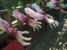 cool, moving 'grabshaft' hands prop by Halloween Forum member coxboy316