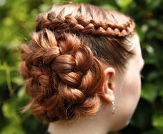 Picture of How to do a Dutch Flower Braid